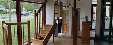 Différents escaliers présentés au sein du showroom